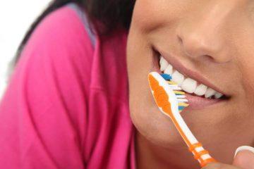 איך מצחצחים שיניים נכון?